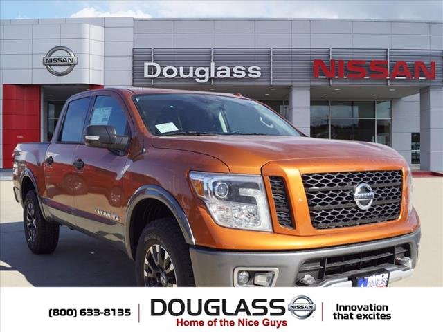 New 2019 Nissan Titan PRO-4X 4x4 Crew Cab 5.6 ft. box 139.8 in. WB