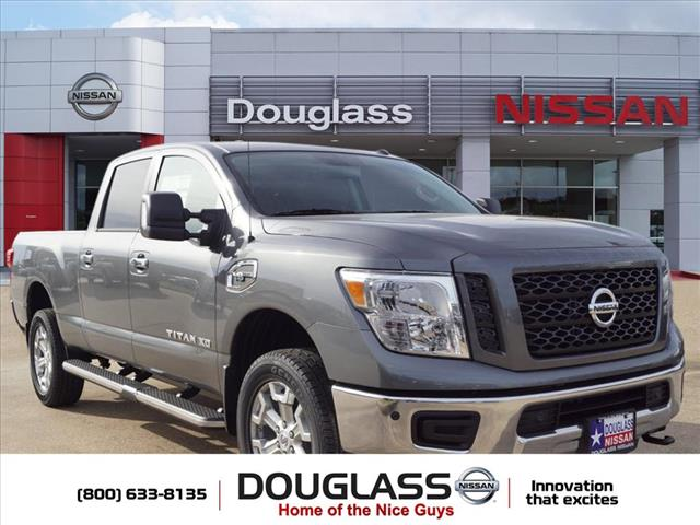 New 2019 Nissan Titan XD SV Gas 4dr 4x4 Crew Cab 6.6 ft. box 151.6 in. WB