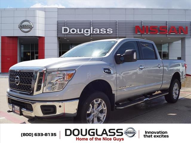 New 2018 Nissan Titan XD SV Gas 4x4 Crew Cab 6.6 ft. box 151.6 in. WB