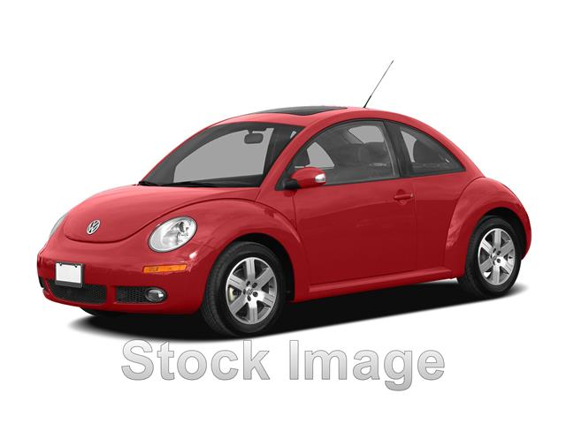 Pre-Owned 2009 Volkswagen New Beetle 2.5L (A6) 2dr Hatchback