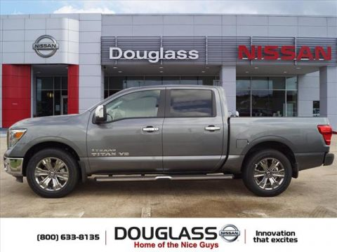 New 2018 Nissan Titan SL 4x2 Crew Cab 5.6 ft. box 139.8 in. WB