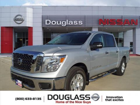 Certified Pre-Owned 2018 Nissan Titan SV 4x2 Crew Cab 5.6 ft. box 139.8 in. WB