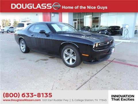 Pre-Owned 2019 Dodge Challenger SXT 2dr Rear-wheel Drive Coupe